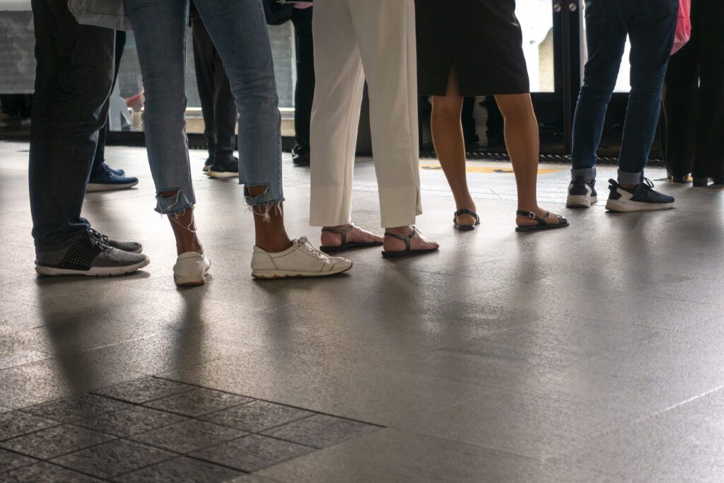 Queue is the good thing that can reflected a regulation of people.